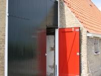 Nieuwe staldeuren (Nijhuizum)